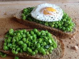 Mashed Peas on Toast